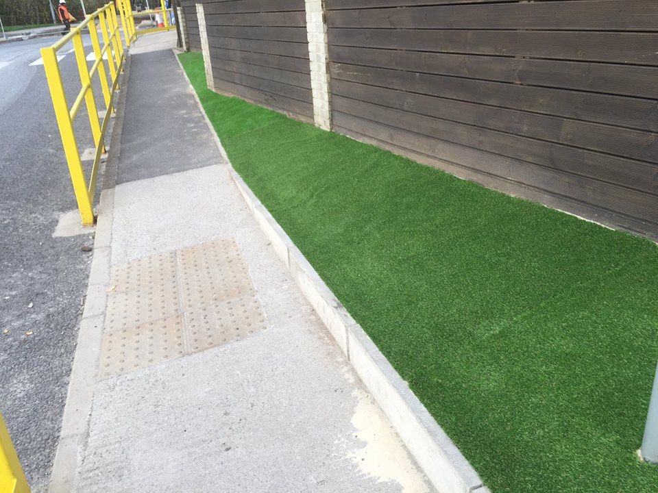 artificial grass verge