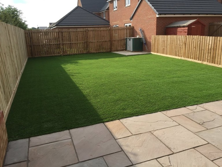 synthetic turf in a nice garden